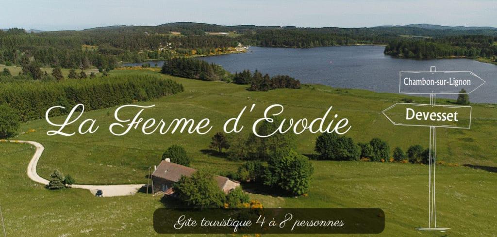 Vue du gîte La Ferme d'Evodie, face au Lac de Devesset (Ardèche)